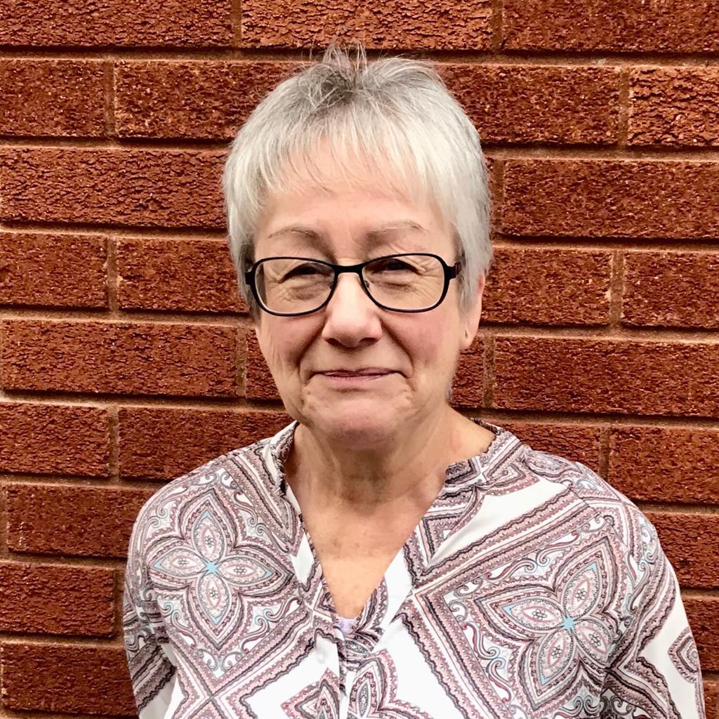 Mrs Pamela Williams